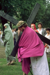 Crucifiction_4